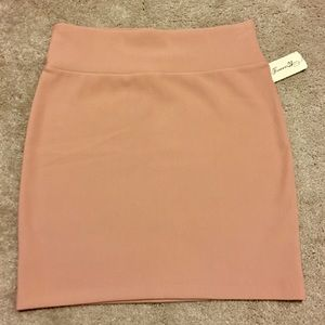 NWT - This is a blush mini skirt from forever21!
